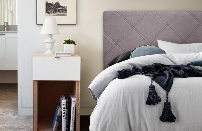 Недорогая полуторная кровать ВЕДА (1,4м)
