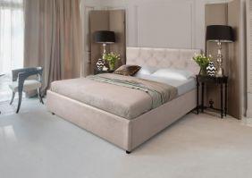 Двуспальная мягкая кровать