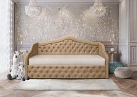 Детская кровать с мягкой обивкой